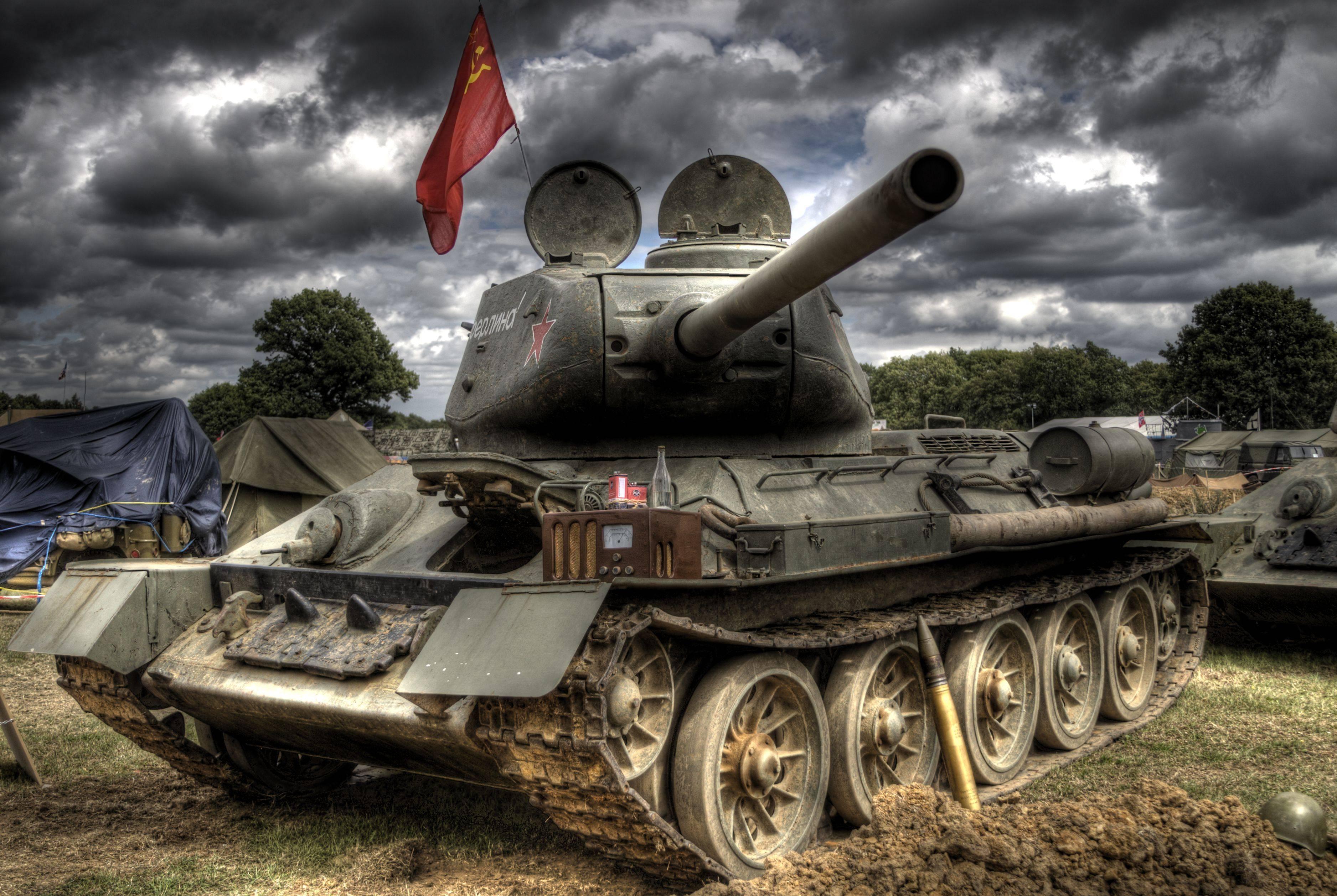 Участник гражданской (испания), советско-финской (1940) и великой отечественной войн, герой советского союза