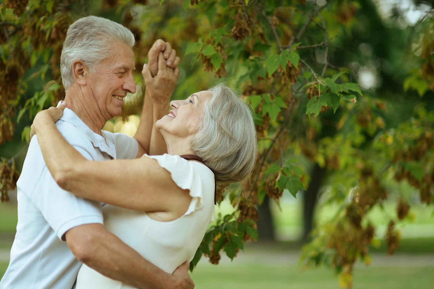 Танец пожилых людей картинки паттайи сюда